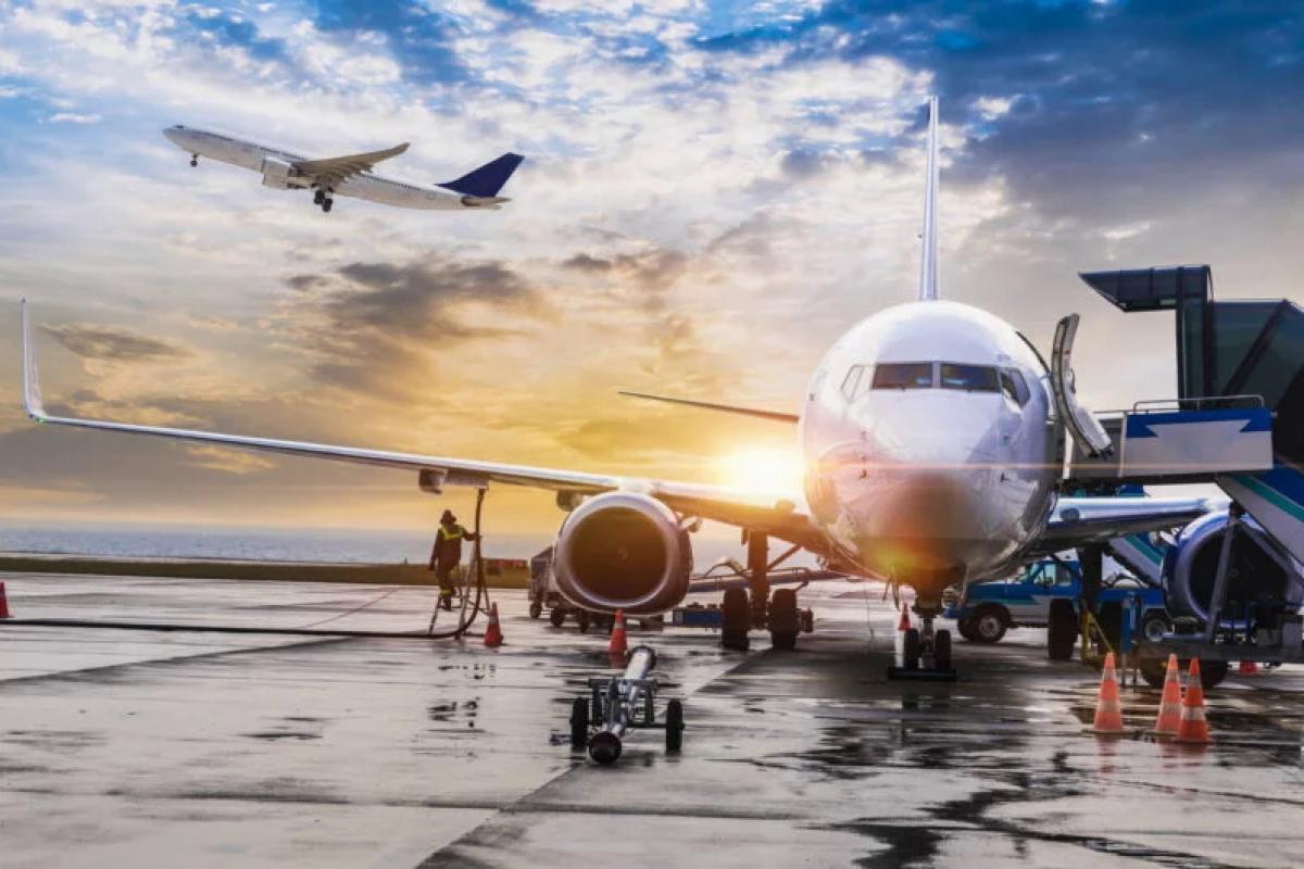 Украина полностью прекращает авиасообщение с миром из-за COVID-2019: все подробности
