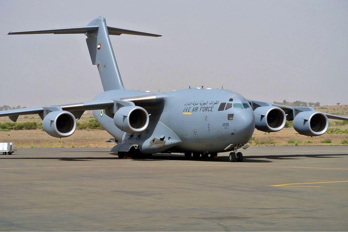 Пока войска РФ на границе, транспортник ВВС США C-17A Globemaster с тайным грузом приземлился во Львове