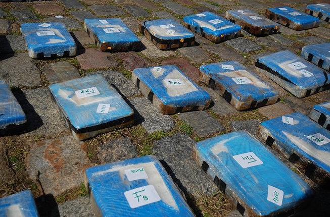 Лавров очень зол: в Аргентине сожгли около 400 кг российского кокаина - кадры
