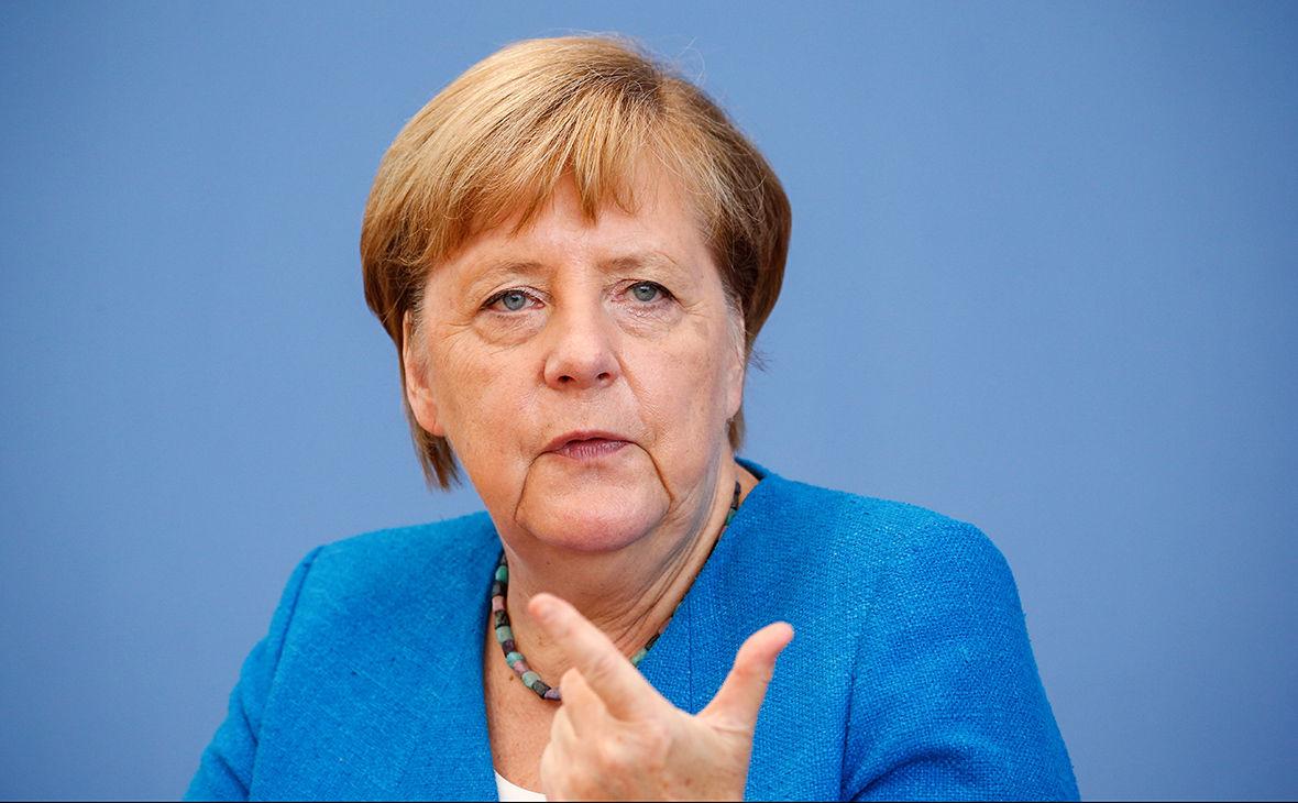 """""""Европа обязана…"""" – Меркель заявила о крайне тяжелой ситуации в Крыму и на Донбассе"""