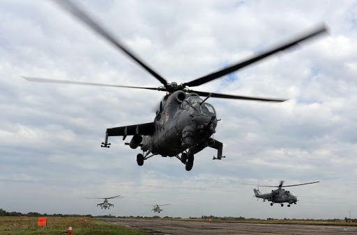 Кремль поднял в воздух боевую авиацию на границе с Украиной: штурмовики и вертолеты идут на низкой высоте