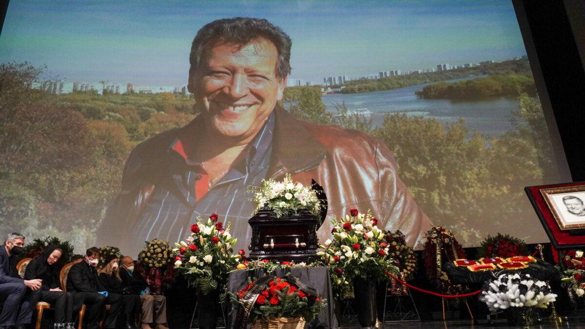 На похоронах Грачевского вдова Катерина Белоцерковская нарушила плохую примету