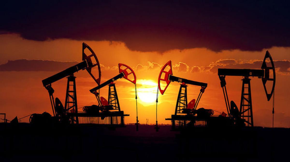"""Мировые цены на нефть: стоимость """"черного золота"""" колеблется от 23 до 26 долларов за баррель, детали"""