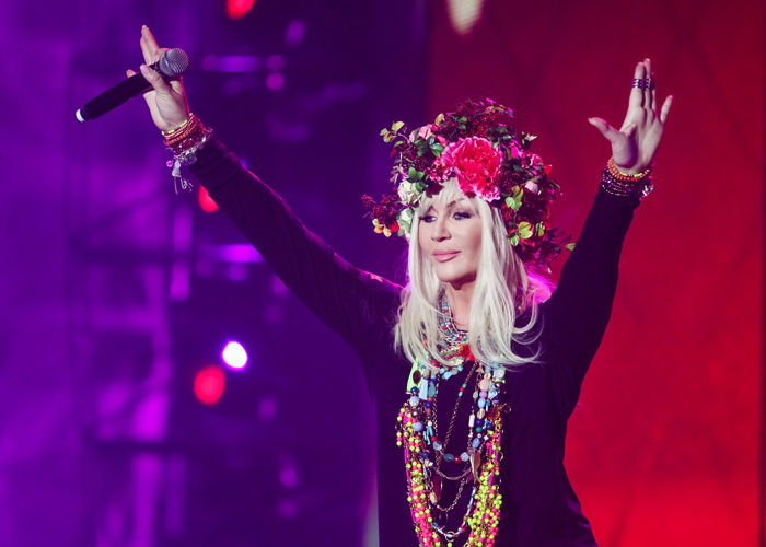 Певица Ирина Билык своим мощным голосом разорвала трубу