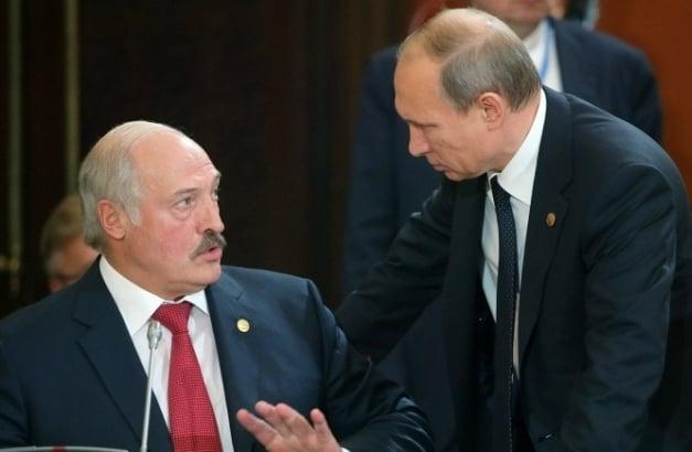 """Беларусь на пороге громких событий: в Кремле решили """"мирно убрать"""" Лукашенко - подобности"""
