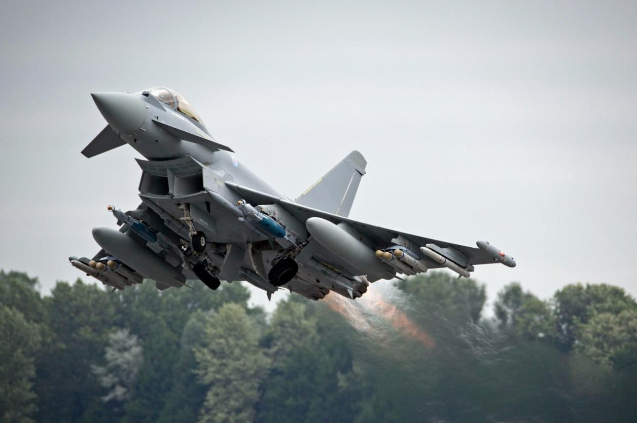 В небе над Одессой замечен британский истребитель Eurofighter Typhoon FGR4 с передовой системой вооружения