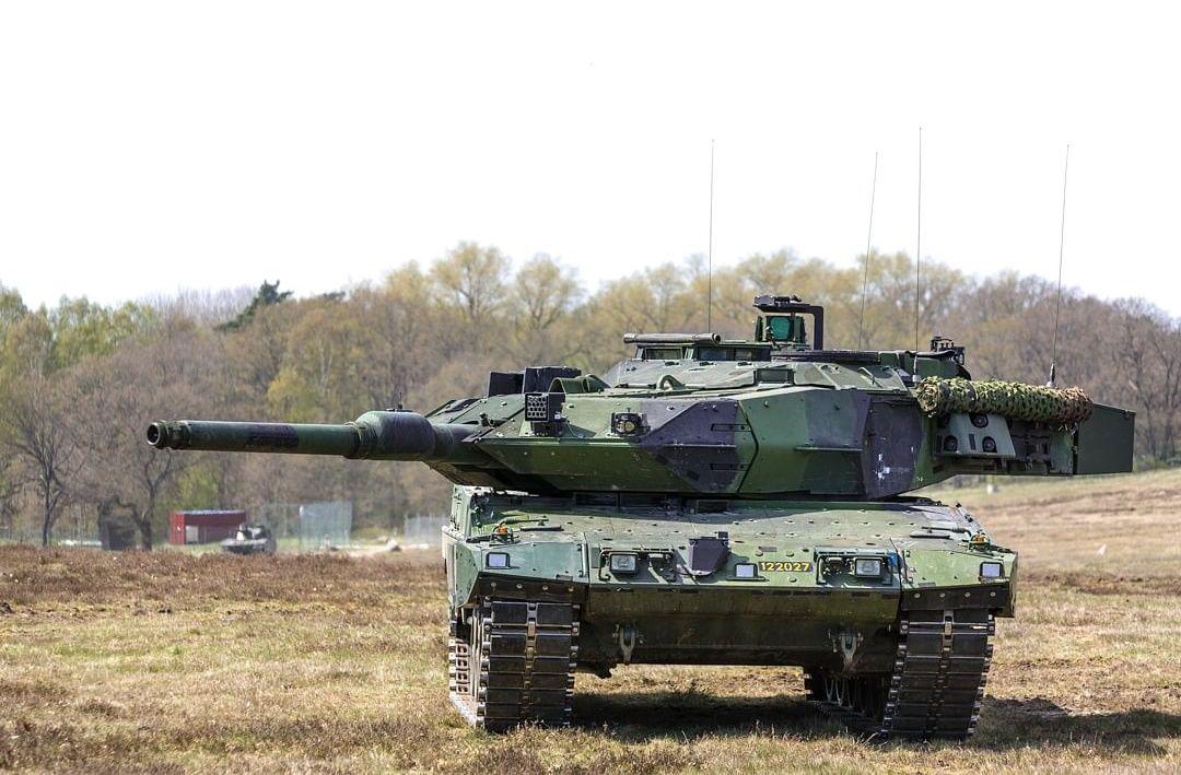 """Швеция готовится к наземным боям против армии РФ, приступив к восстановлению своего """"танкового парка"""""""