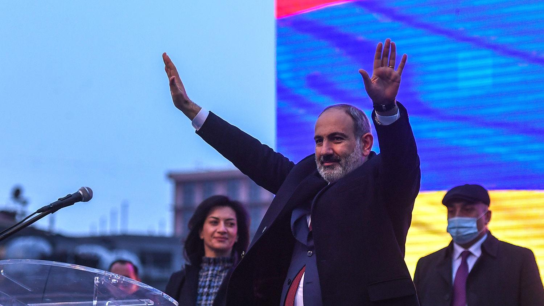 Партия Пашиняна уверенно лидирует на выборах в Армении после оглашения первых результатов