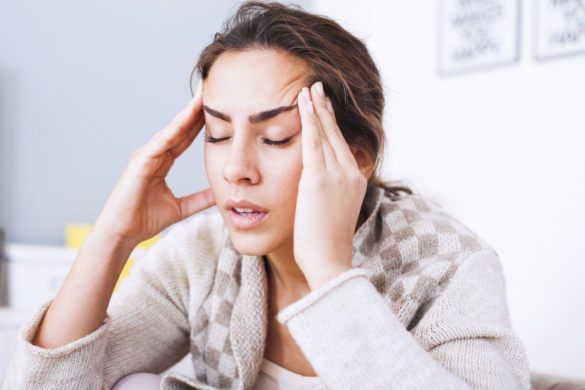 Медики ответили, откуда берется утренняя головная боль и как с ней бороться: 5 главных причин