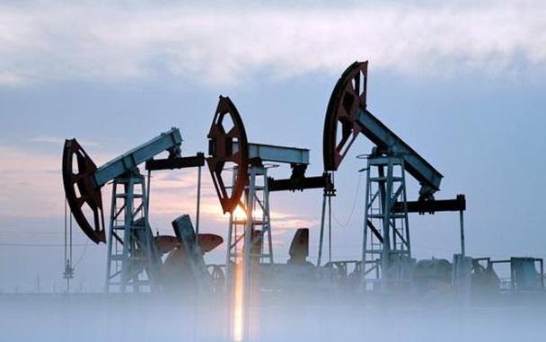 Нефтяной рынок постиг серьезный обвал – в Кремле готовятся к худшему