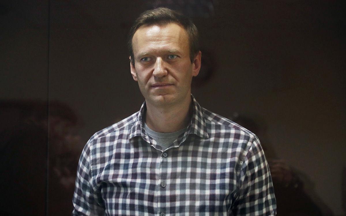 """Навальный объявил голодовку в колонии: """"А что делать-то? Ни врача, ни лекарств не дают"""""""
