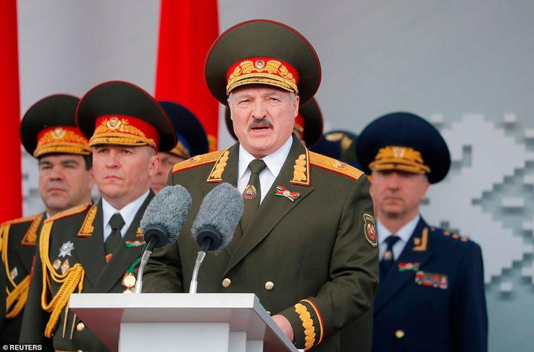 """""""Трое суток, и все на местах, как в хлебоуборочной кампании"""", – Лукашенко о мобилизации"""