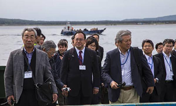 Кремль сдался? Японская делегация впервые прибыла на Курилы развивать бизнес