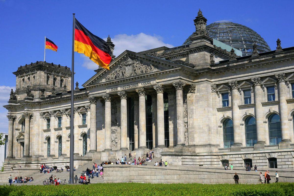 """""""Нужно искать пути диалога"""", – в Германии выступили против США из-за """"Северного потока – 2"""""""