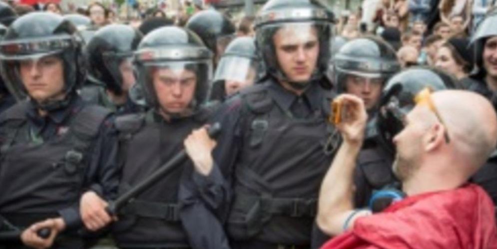 Итоги антикоррупционных митингов в России: по всей стране задержаны более 1 200 человек