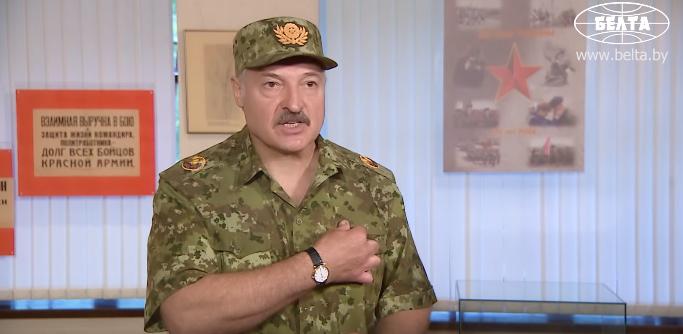 """Лукашенко - Кремлю: вы забыли, какой вклад белорусы и украинцы вложили в победу над фашизмом, хватит """"нести чушь"""", что вы единственные победители"""