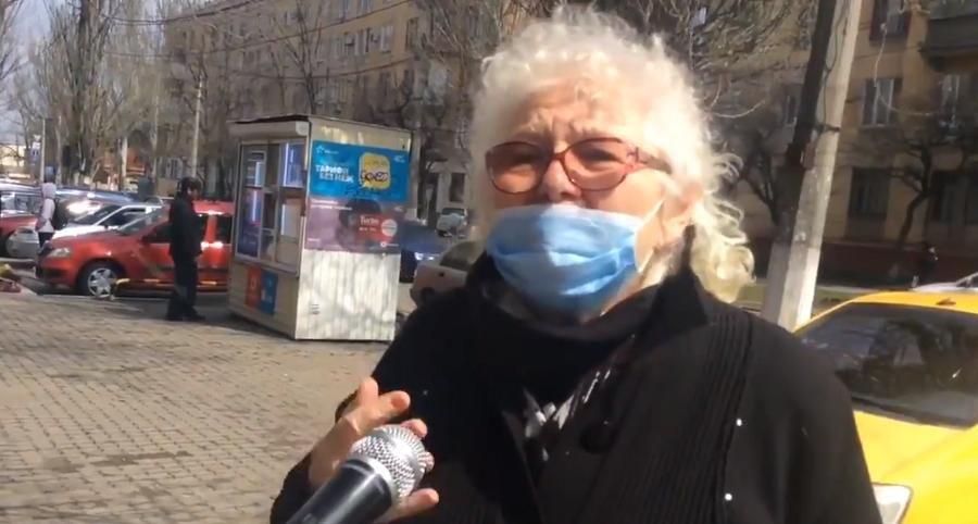 Пенсионерка из Мариуполя под воздействием пропаганды РФ сказала, почему в войне на Донбассе виновна Украина