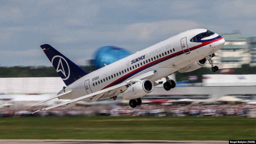 В России едва не произошла авиакатастрофа с новейшим SSJ-100 в Якутии - могли погибнуть 78 человек