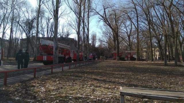 ЧП в оккупированном Донецке: пожарные обнаружили тело пациента в сгоревшей палате больницы №24  - кадры