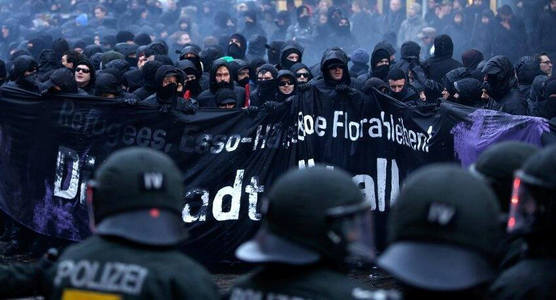 """""""Добро пожаловать в ад"""", - около 150 тысяч антиглобалистов намерены встретить Путина протестами на саммите G20 в Гамбурге"""