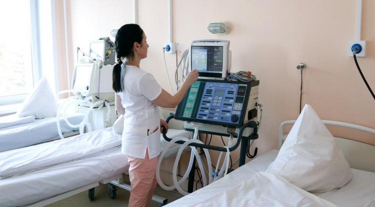 На Львовщине двух пациентов на ИВЛ не стало из-за отключения света в больнице