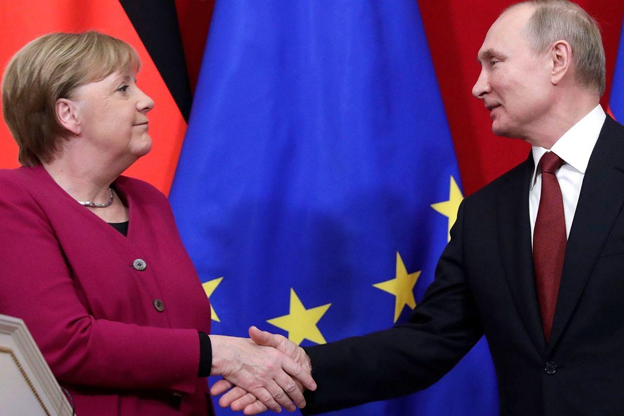 """""""На лице Меркель была хитрая усмешка"""", - Климкин рассказал, как канцлер """"потроллила"""" Путина пивом"""