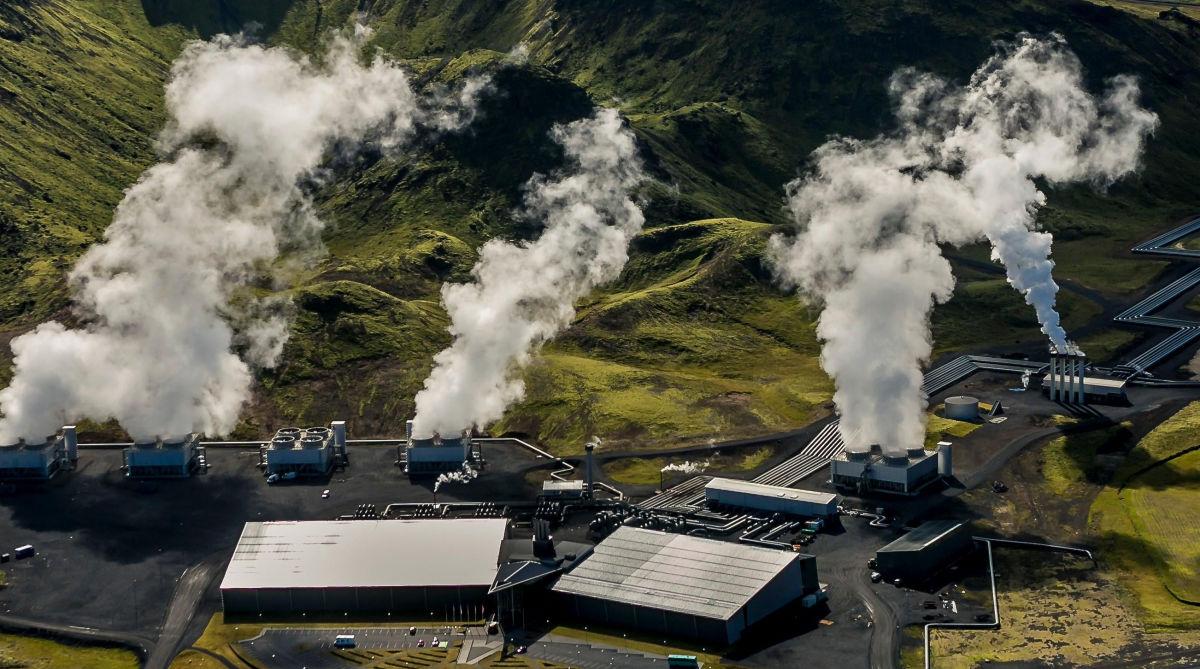 Крупнейший в мире завод по устранению углекислого газа из атмосферы открыли в Исландии