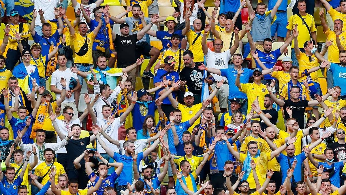 В Росси просят УЕФА запретить популярную кричалку украинских фанатов, которая посвящена Путину