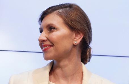 Елена Зеленская впервые опубликовала редкие фото с детьми и мужем: дети президента всех привели в восторг