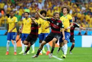 В полуфинале ЧМ-2014 Германия со счетом 7:1 разгромила Бразилию