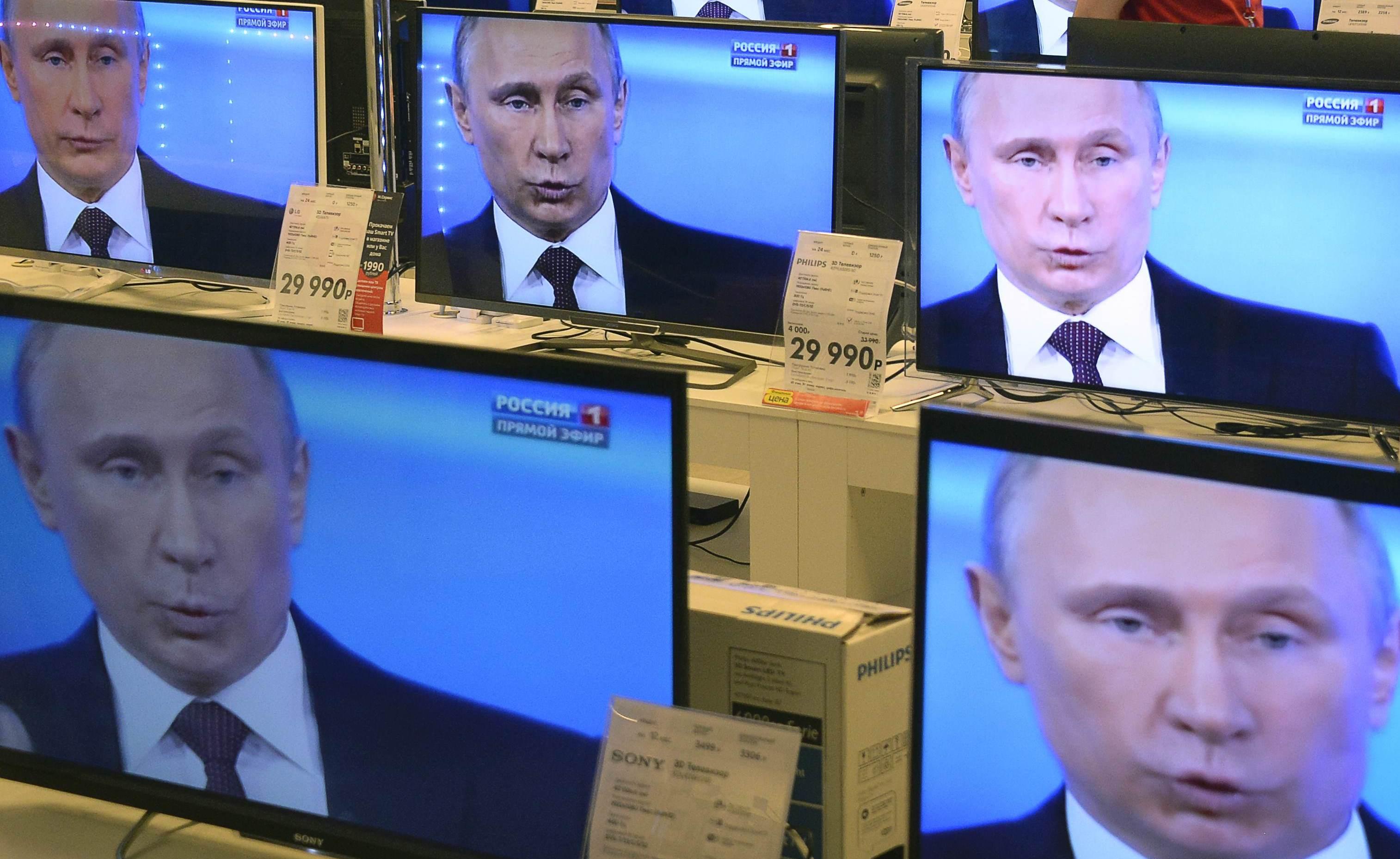 Борьба за умы жителей Донбасса: как Порошенко намерен выиграть войну у пропагандистских СМИ Путина