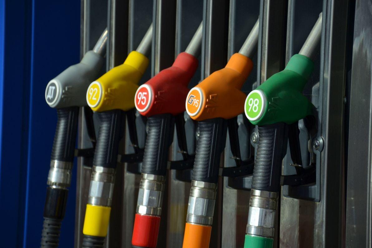"""WOG и OKKO прекратили продажу дизтоплива и бензина А-95: """"Наши сети несут убытки"""""""