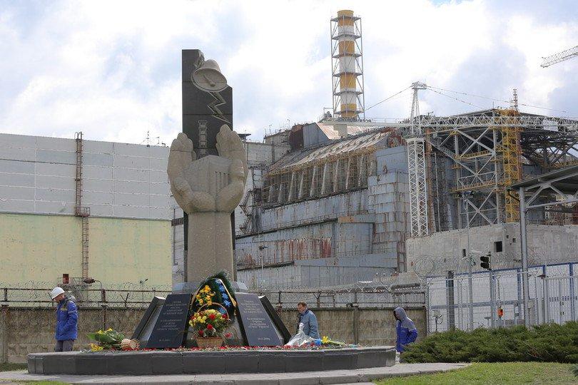 """""""На демонстрацию ветром из Чернобыля в Киев принесло облака цвета чернозема…Мы были с детьми..., не забуду никогда этот ужас"""", – украинцы вспоминают о трагедии на ЧАЭС"""
