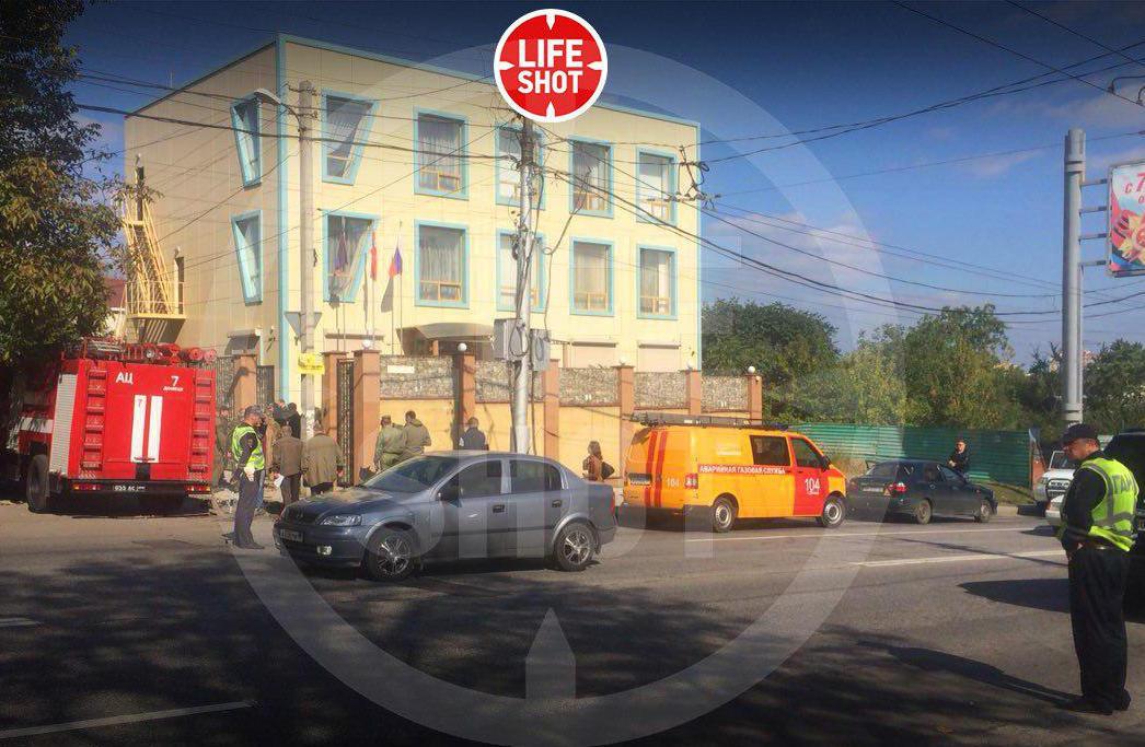 """Съезд Компартии """"ДНР"""" в Донецке прервали мощным взрывом: есть раненые - первые кадры"""