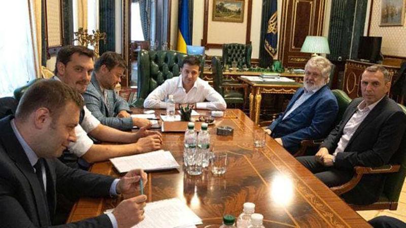 """Порошенко обратился к Зеленскому с поддержкой: """"Должен найти в себе силы, чтобы откреститься"""""""