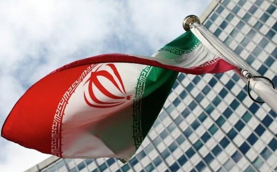 СМИ: в парламенте Ирана произошла кровавая перестрелка, есть раненые и заложники
