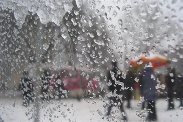 Зальет дождями: синоптики дали неутешительный прогноз по регионам на ближайшие дни – подробности