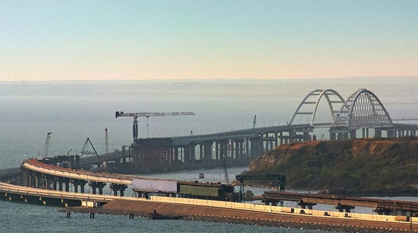 Может рухнуть в любой момент: эксперт назвал причину разрушения Крымского моста