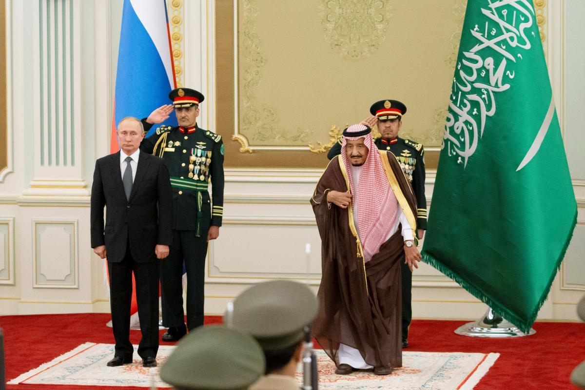 Владимир Путин, гимн, король Саудовской Аравии, оркестр, Эр-Рияд, встреча