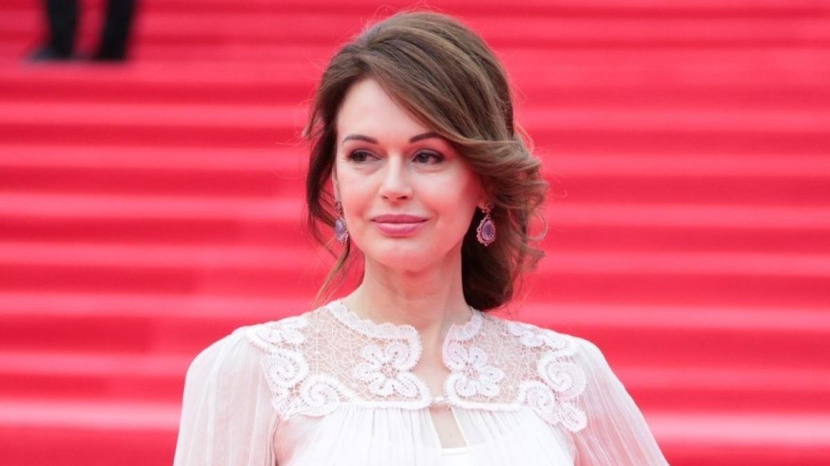 После смерти сына экс-жена Безрукова сильно изменилась: что известно о судьбе актрисы