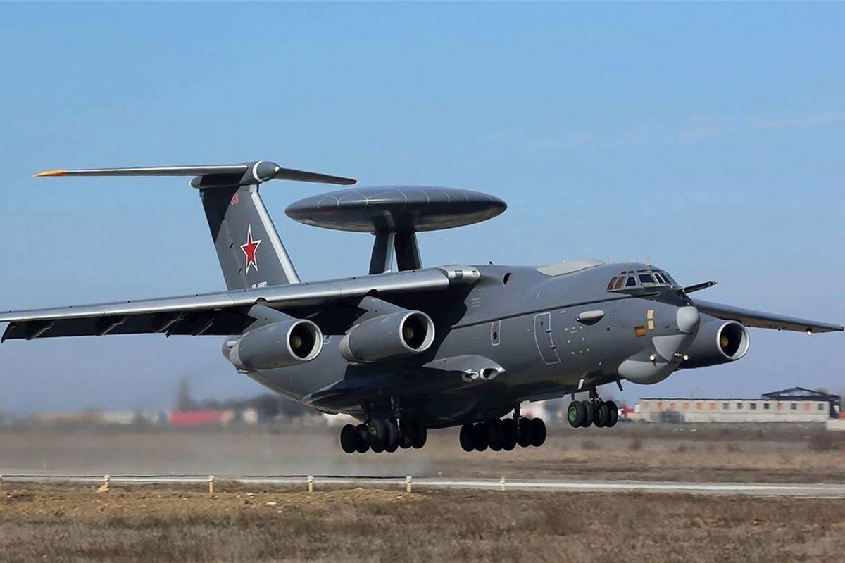 Самолеты ДРЛО авиации РФ переброшены к границам Украины и ЕС - Кремль повышает ставки
