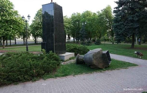георгий жуков, памятник, свалили монумент, харьков сегодня, украина сегодня, россия сегодня, москва сегодня, украина онлайн