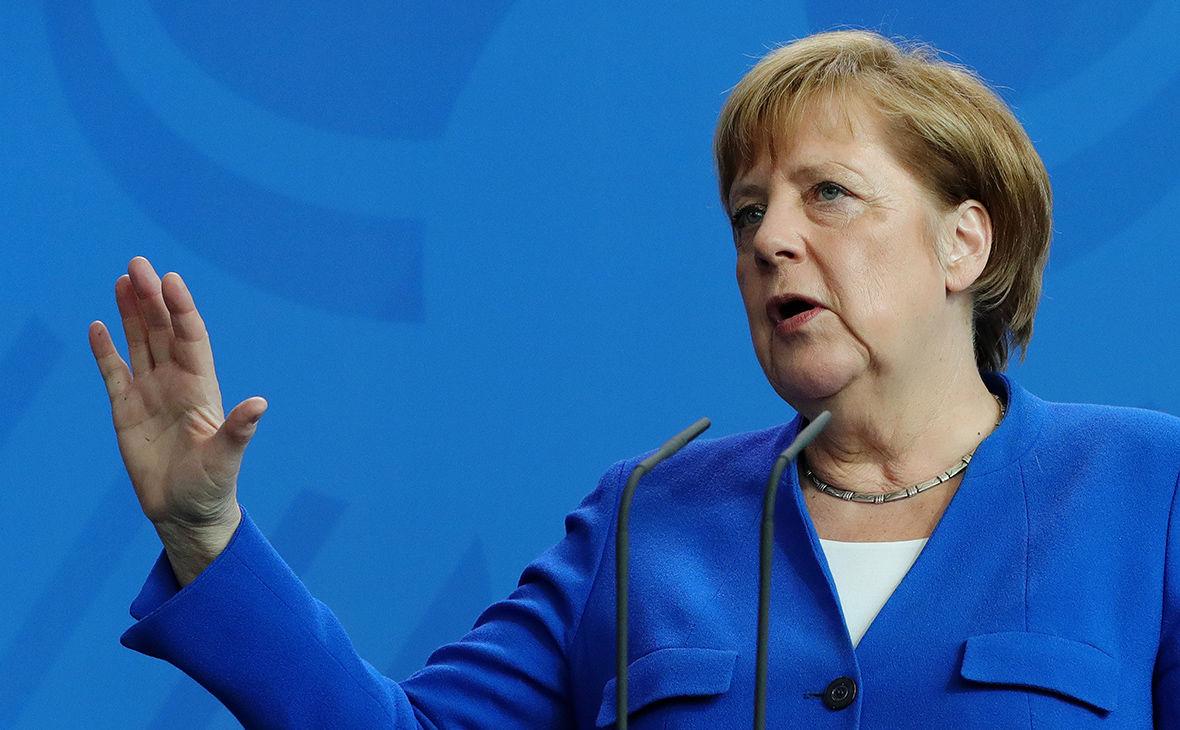 """Меркель вновь заступилась за """"Северный поток - 2"""", но дала обещание Украине"""