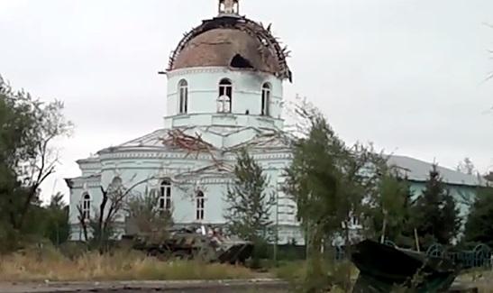 В Луганской области снаряд попал в храм, где прятались мирные жители