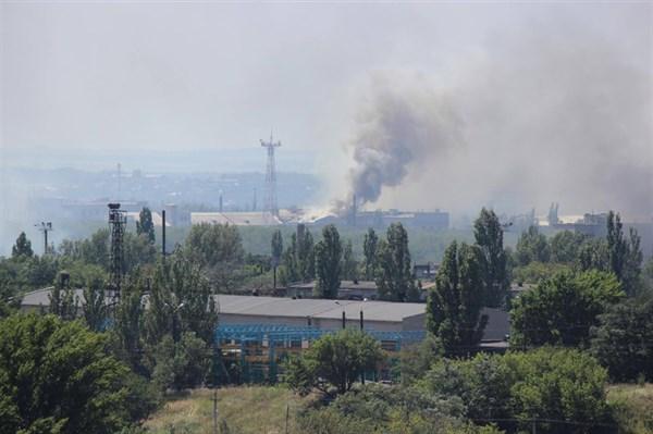 Трагическое воскресенье в Горловке: сгоревшие дома, пожар, обстрелы