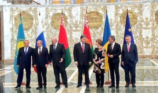 Экс-министр обороны Украины: двусторонний формат переговоров Порошенко-Путин не даст ничего хорошего