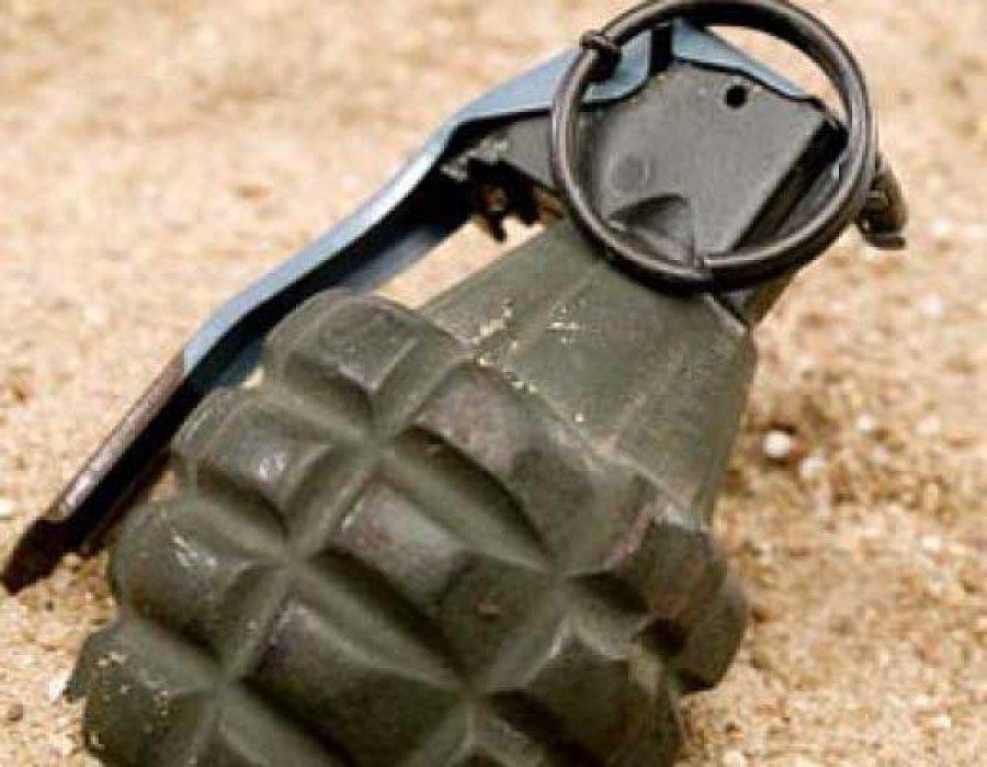 В Бахмутском районе преступники убили мирную 53-летнюю жительницу, бросив ей в дом гранату