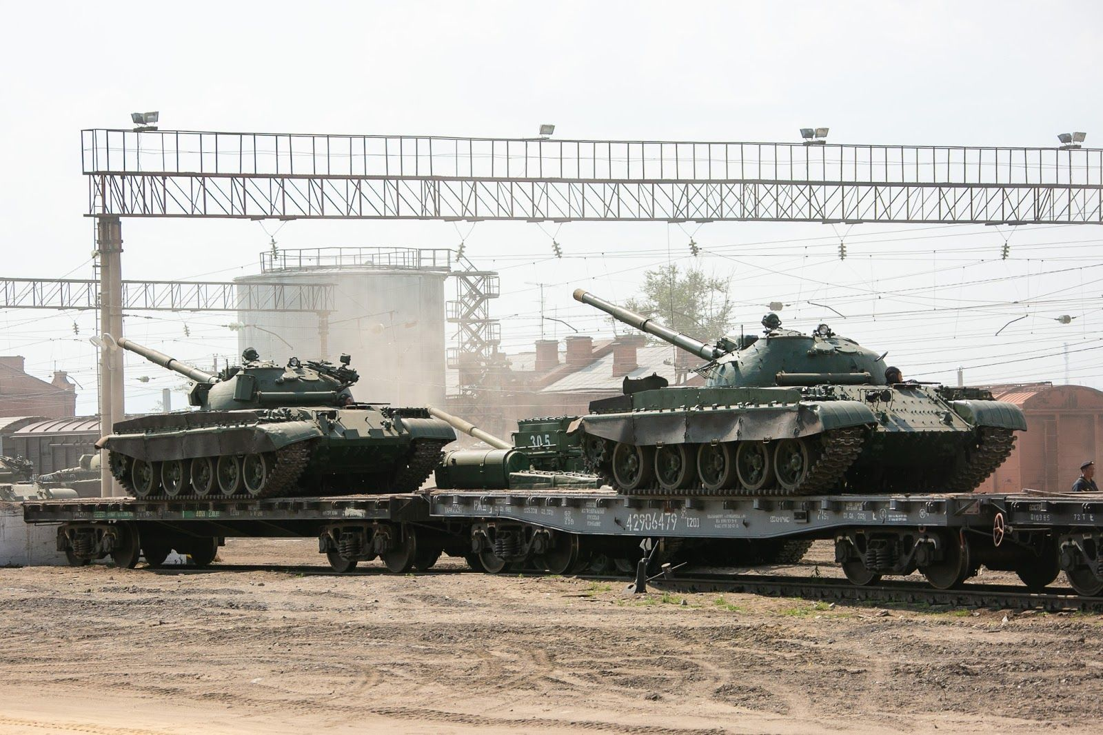 Россия начала перебрасывать армию с бронетехникой в Беларусь: в Минске сделали заявление