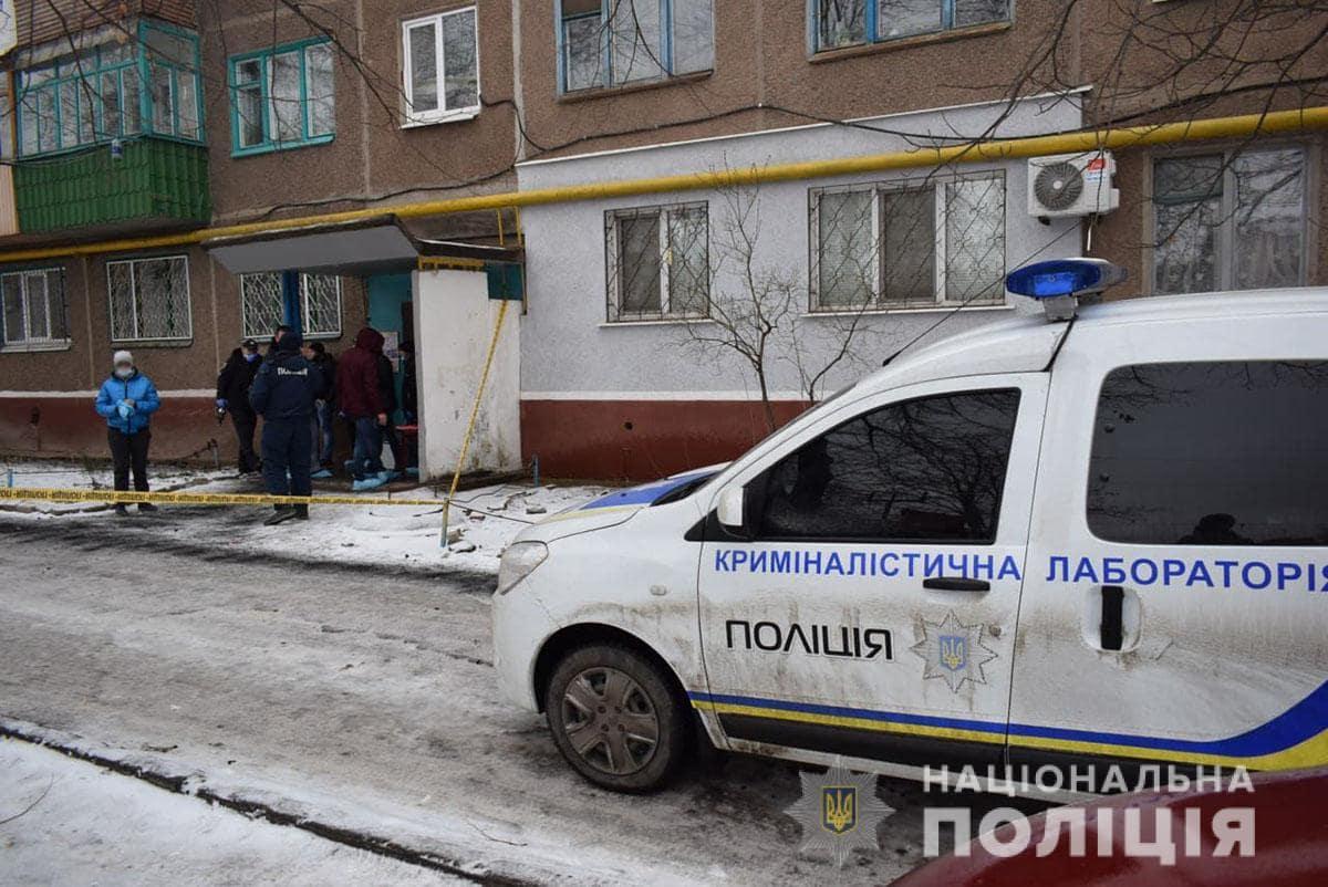 Из-за тройного убийства на Донбассе поднята вся полиция: кадры