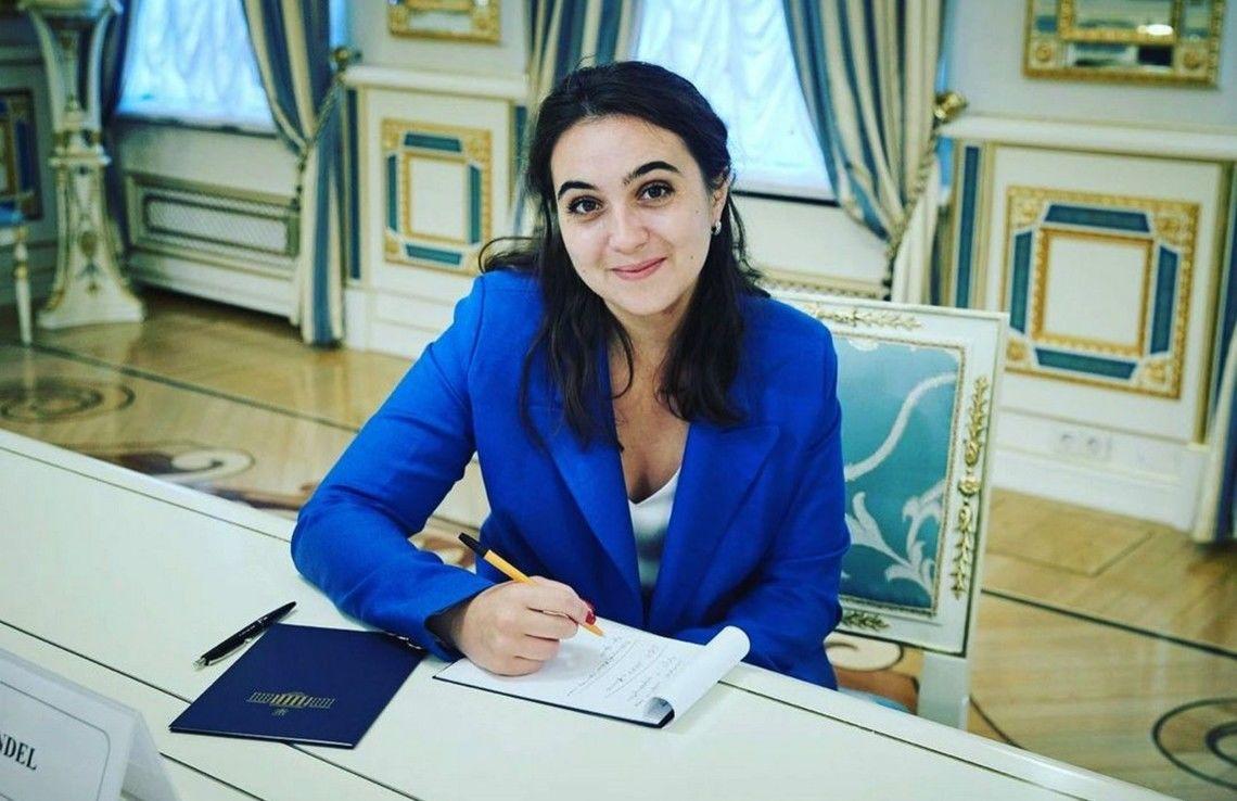 Мендель будет работать на Ахметова - дебют намечен на 19 сентября